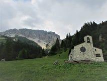 Chowany klejnot głęboko w górach zdjęcia royalty free