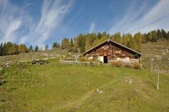 Choza alpestre austríaca fotos de archivo