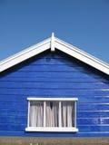 Choza azul de la playa Foto de archivo