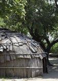 Choza clásica usada por la tribu de Wampanoag del nativo americano en la plantación de Plimoth Imagenes de archivo