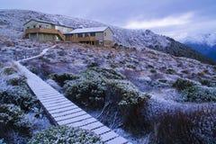 Choza de Luxmore, pista de Kepler, Nueva Zelanda foto de archivo