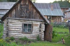 Choza de madera vieja Foto de archivo libre de regalías