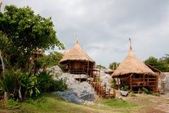 Choza del centro turístico en Tailandia. Fotos de archivo libres de regalías