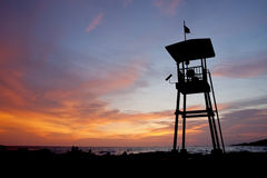 Choza del protector de vida en la puesta del sol Imagen de archivo