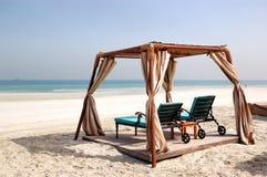 Choza en la playa del hotel de lujo Foto de archivo libre de regalías