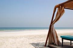 Choza en la playa del hotel de lujo Imágenes de archivo libres de regalías
