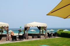 Choza en la playa en el hotel de lujo Fotos de archivo libres de regalías