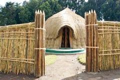 Choza ruandesa del viejo rey tradicional Fotografía de archivo libre de regalías