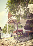 Choza tropical de la playa Fotografía de archivo libre de regalías