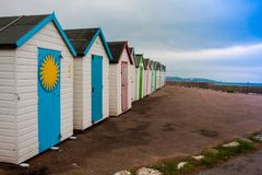 Chozas clásicas de la playa de la playa Imágenes de archivo libres de regalías