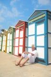 Chozas coloridas de la playa en verano Foto de archivo libre de regalías