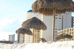 Chozas de la hierba del horizonte del vista de la Florida de la playa de ciudad de Panamá foto de archivo