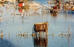 Chozas de la pesca en el puerto Milena cerca de la ciudad de Ulcinj, Montenegro fotos de archivo
