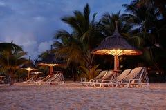 Chozas de la playa de la isla Imagen de archivo libre de regalías