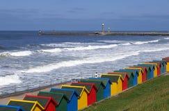 Chozas de la playa de Whitby fotos de archivo