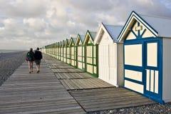 Chozas de la playa del paseo marítimo Foto de archivo libre de regalías