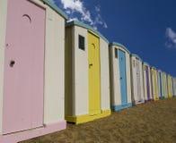 Chozas de la playa en la playa Imagen de archivo libre de regalías