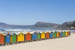 Chozas de vestido coloridas en la playa Fotografía de archivo libre de regalías