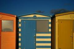 Chozas inglesas de la playa Imagenes de archivo