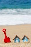 Chozas y juguetes de la playa Fotografía de archivo