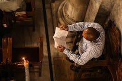 Chrétiens palestiniens à l'église de St Porphyrius à Gaza Photos stock