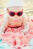 Chéri sur la plage Images libres de droits