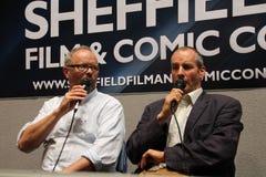 Chris Barrie und Robert Llewellyn am Sheffield Film und am komischen Betrüger 2014 Lizenzfreie Stockfotos