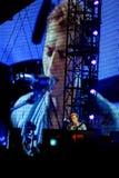 Chris Martin que juega el piano foto de archivo libre de regalías