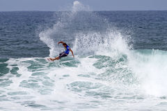 Chris Ward surfing in the Triple Crown Hawaii Stock Photo