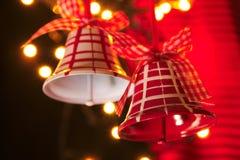 Chrismas Belhi in rosso e nel bianco con gli indicatori luminosi Fotografie Stock