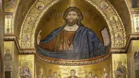 christ pantokrator Domkyrka-basilikan av Monreale, är en Roman Catholic kyrka i Monreale, Sicilien, sydliga Italien Ken brännskad lager videofilmer