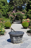 Christchurch-botanische Gärten Sundial u. Rosen Stockbilder