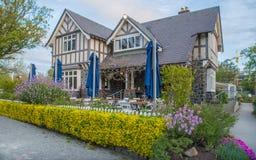 Christchurch, Nouvelle-Zélande - 3 octobre 2017 : Le cottage du conservateur, cette maison de style Tudor à Christchurch image stock