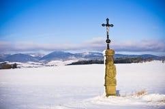 Christelijk monument in de heuvels, Tsjechische Republiek Royalty-vrije Stock Foto's