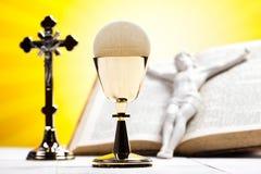 Christelijke heilige kerkgemeenschap, heldere achtergrond, verzadigd concept Royalty-vrije Stock Foto