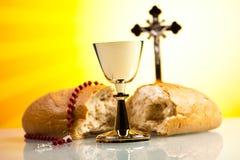 Christelijke heilige kerkgemeenschap, heldere achtergrond, verzadigd concept Royalty-vrije Stock Afbeeldingen