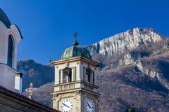 Christelijke kerk in de stad van Teteven, Bulgarije stock foto's