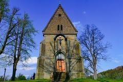 Christelijke kerkkirk Dorps Christelijke kerk met Jesus op het kruis Royalty-vrije Stock Foto's