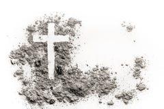 Christelijke kruis of kruisbeeldtekening in as, stof of zand royalty-vrije stock afbeeldingen