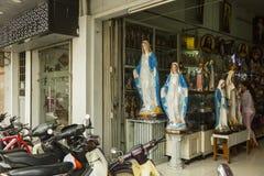 Christelijke objecten winkel in Ho Chi Minh, Vietnam Royalty-vrije Stock Afbeelding