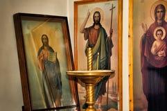 Christelijke pictogrammen in de kerk Stock Foto