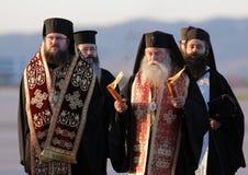Christelijke priesters heilige heilige brand royalty-vrije stock afbeeldingen