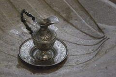 Christening miotacz w chrzestnej chrzcielnicie fotografia royalty free