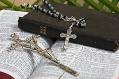 Christian - Bible And Crucifix Royalty Free Stock Photography