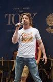 Christian Borle Entertains alle stelle nel vicolo Immagini Stock