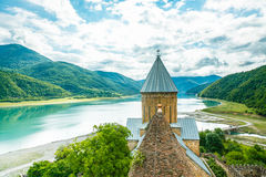 Christian Church nelle montagne georgiane Fotografia Stock