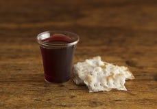 Christian Communion do vinho e do pão ázimo imagem de stock