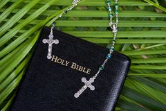 Christianity - Holy Bible And Rosary Stock Images