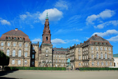 Christiansborg Palace in Copenhagen and statue of King Frederik Stock Photo