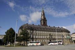 Christiansborg statuy i parlamentu duński królewiątko Frederik 7t Fotografia Royalty Free